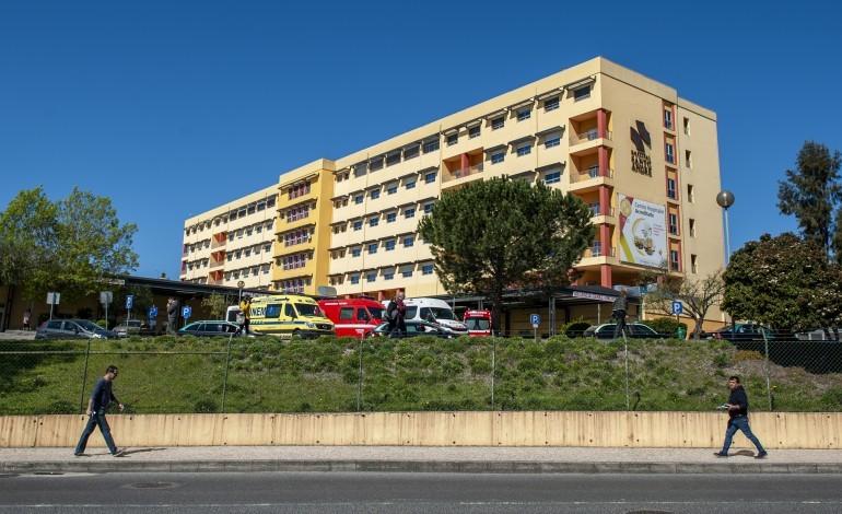 covid-19-hospital-de-leiria-suspende-estagios-e-restringe-visitas
