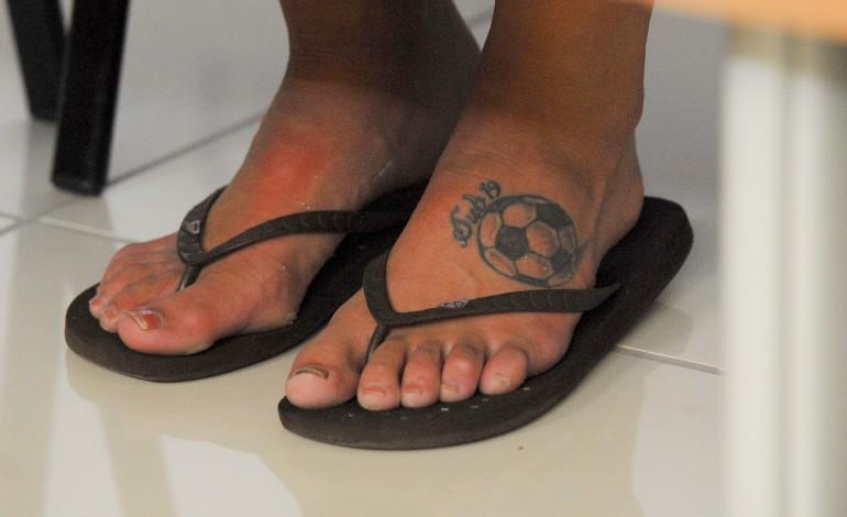 covid-19-suspensos-os-escaloes-secundarios-de-futebol-feminino-e-de-futsal