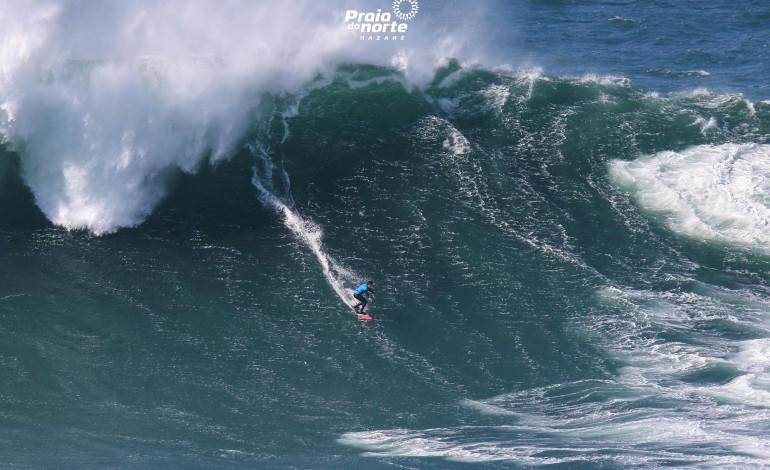 praias-da-nazare-voltam-a-estar-abertas-a-pratica-de-surf