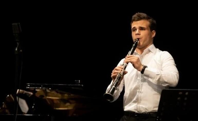 inmusic-vai-estar-a-conversa-com-o-clarinetista-telmo-costa-vencedor-do-premio-jovens-musicos-da-rtpantena-2-veja-aqui-a-transmissao
