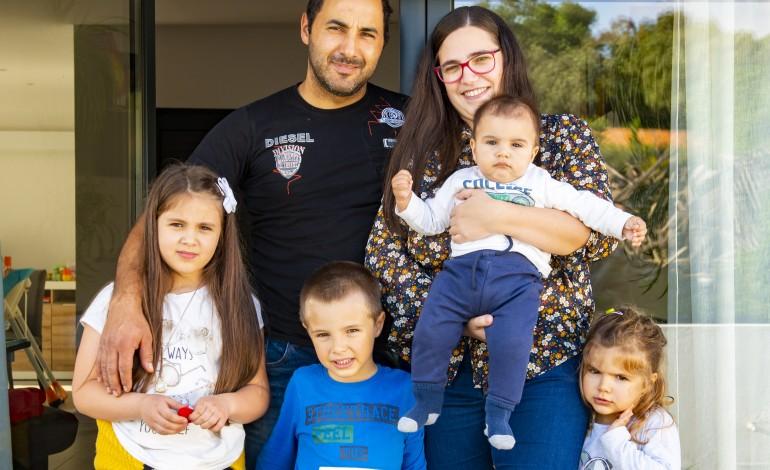 """Os Filipe, de Monte Real, gostavam de aumentar a família, mas assumem que """"já não dá"""""""