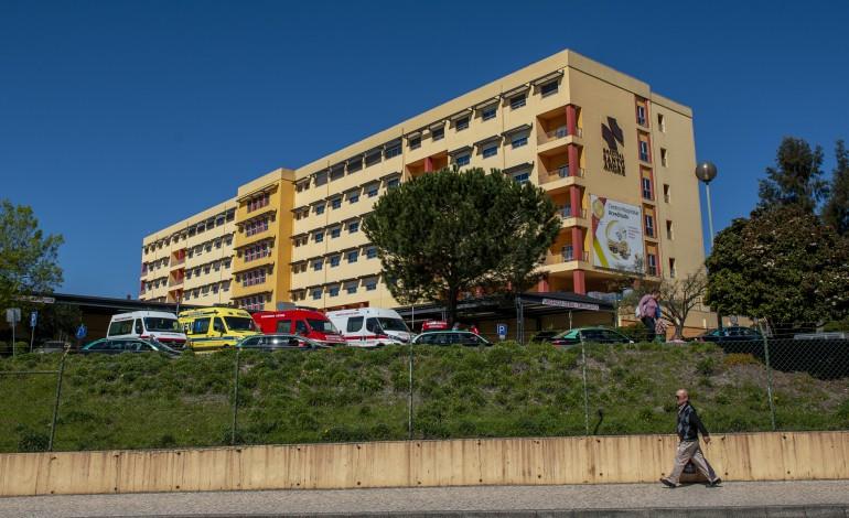 hospital-de-leiria-suspende-acompanhantes-a-doentes