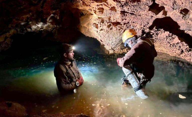 espeleologistas-batem-recorde-na-gruta-de-mira-de-aire