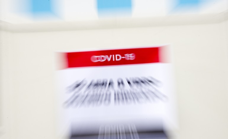 covid-19-casos-activos-disparam-na-regiao