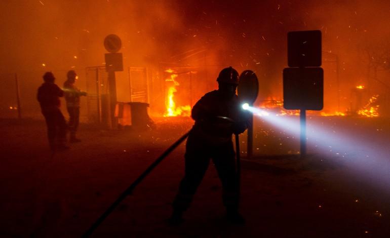 camara-da-marinha-grande-substitui-sinalizacao-destruida-pelo-fogo-7842