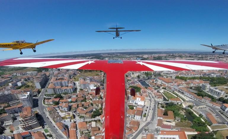 vinte-e-sete-avioes-fazem-escala-em-leiria-durante-o-raid-iberico-que-se-realiza-nos-ceus-de-portugal-e-espanha