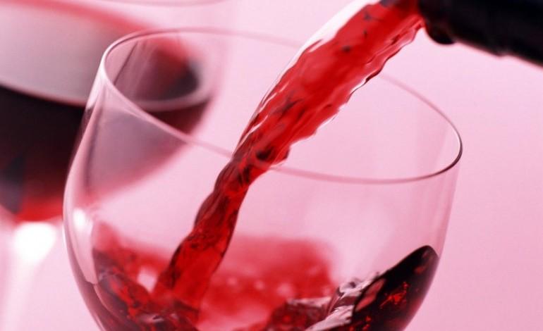 asae-apreende-mais-de-75-mil-litros-de-vinho-2196