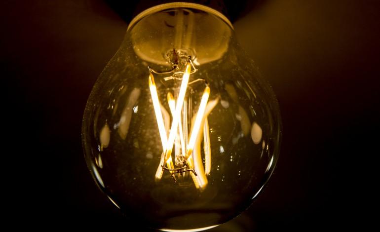 electricidade-sobe-25-no-mercado-regulado-2266