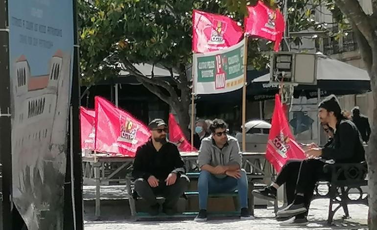 População saiu à rua para celebrar 1.º de Maio