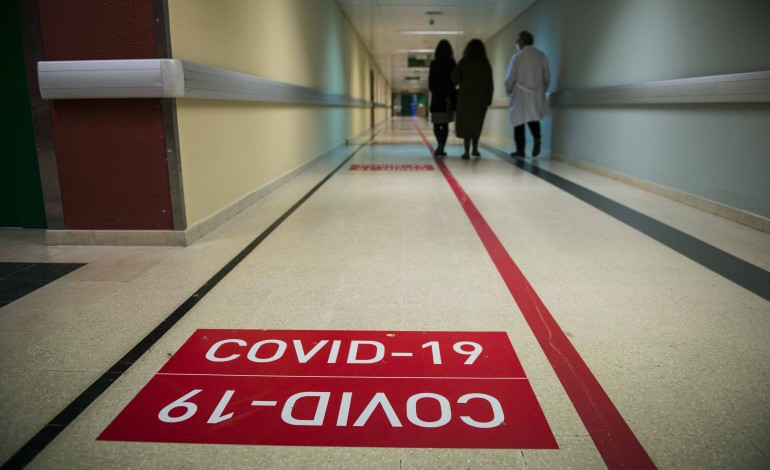 covid-19-centro-hospitalar-de-leiria-com-18-doentes-internados-entre-os-32-e-os-99-anos