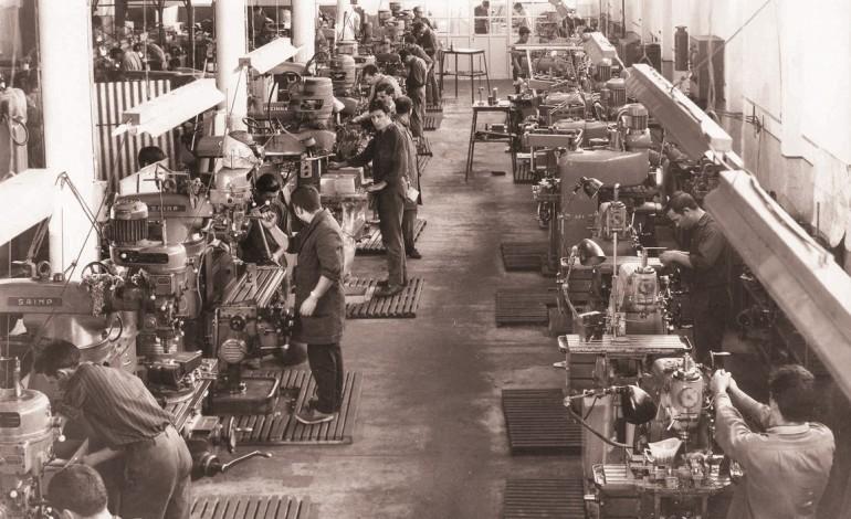 novo-livro-conta-a-historia-da-industria-de-moldes-2556