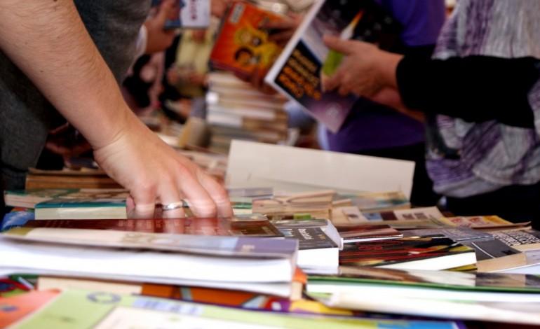 batalha-oferece-cadernos-escolares-de-actividades-material-informatico-e-prolonga-os-atl-ate-final-de-agosto