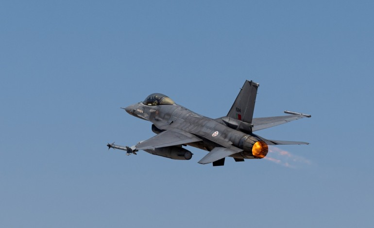 avioes-de-monte-real-vigiam-forca-aerea-russa-no-baltico