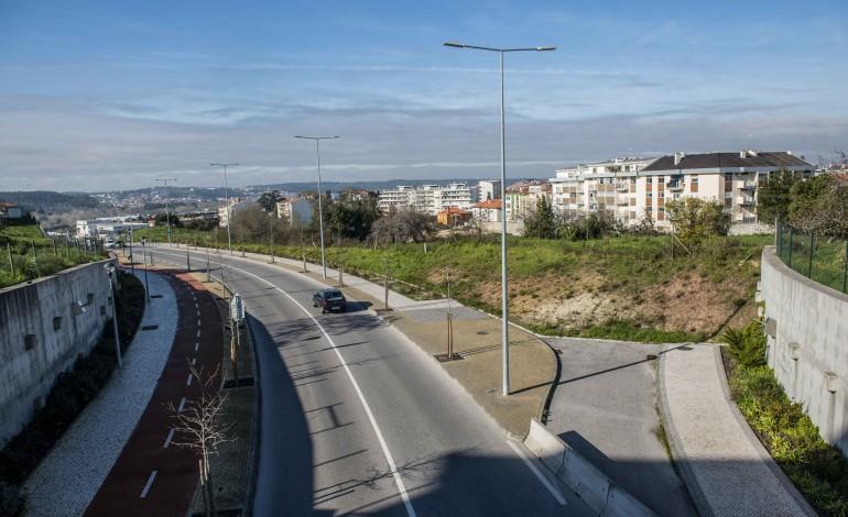 psd-sugere-oito-novos-parques-de-estacionamento