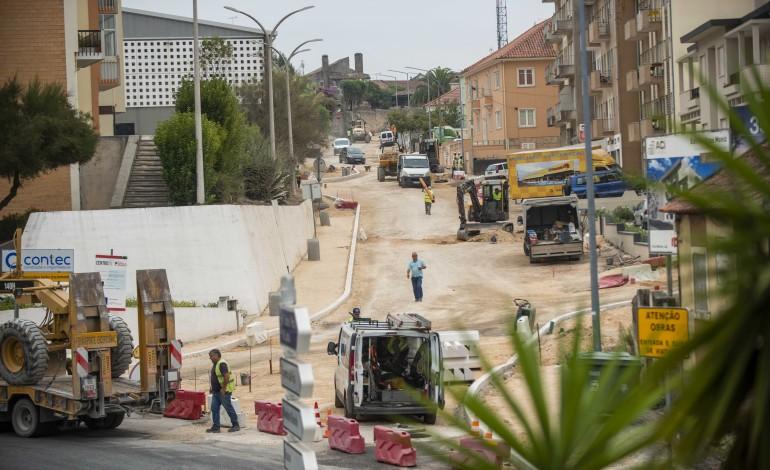 incongruencias-e-arqueologia-atrasam-obras-na-rua-dos-martires-10684