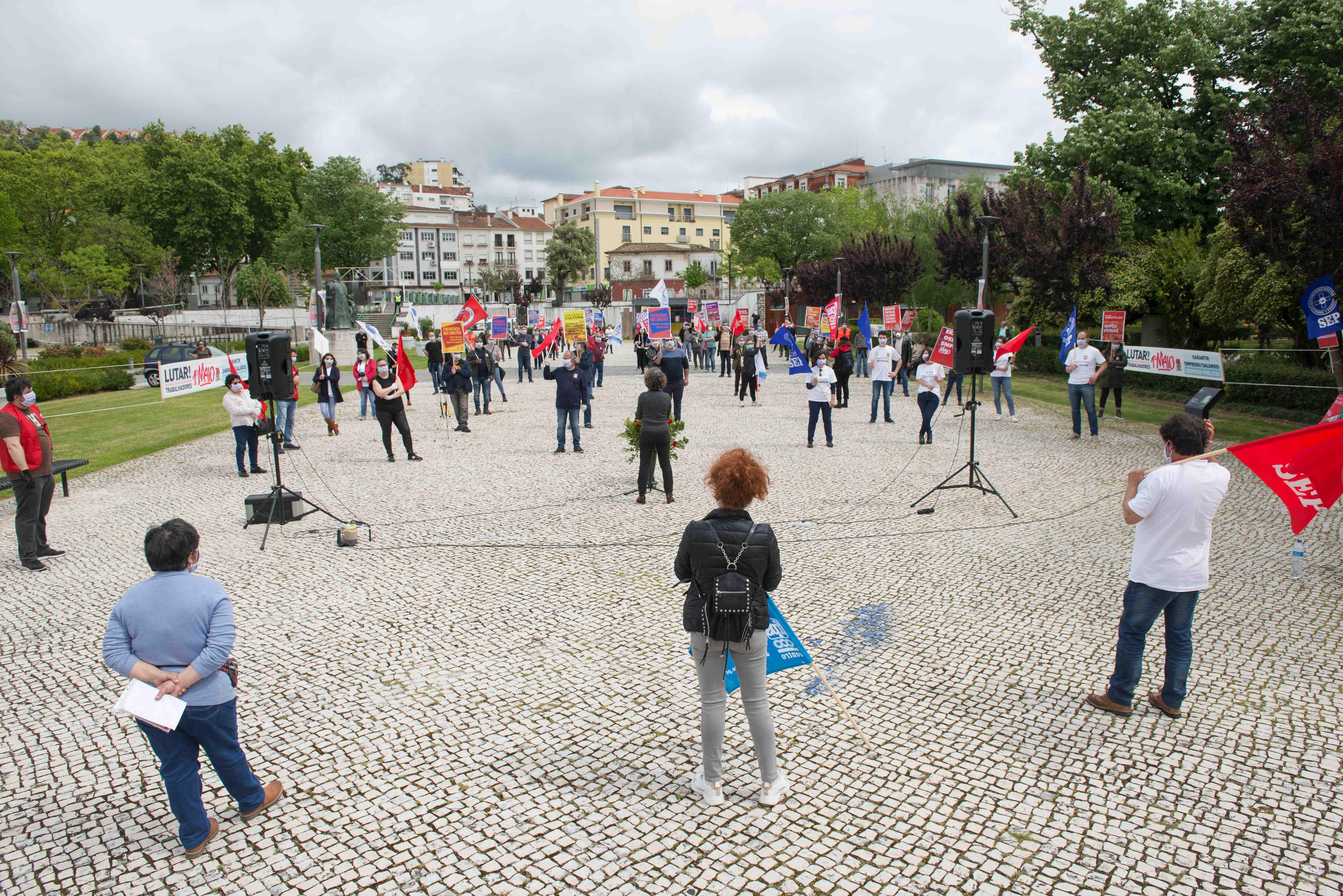 Dia dos Trabalhadores foi celebrado mantendo a distância social, devido à Covid-19