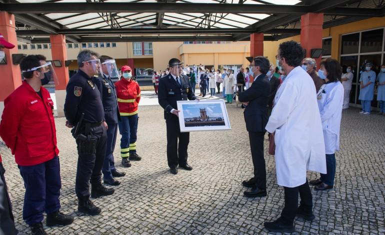 forcas-de-seguranca-e-bombeiros-homenageiam-profissionais-de-saude